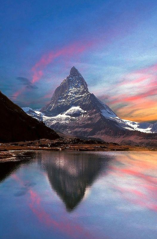 il divo - view of the Matterhorn from Riffelsee Lake, Gornergrat, Canton of Valais, Switzerland