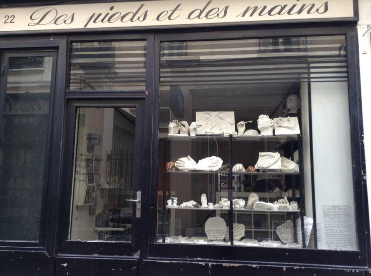 """Shop """"des pieds et des mains"""" near Pompidou"""