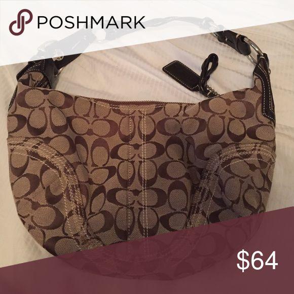 Authentic medium Coach hobo bag Coach small hobo bag with top zipper Coach Bags Hobos