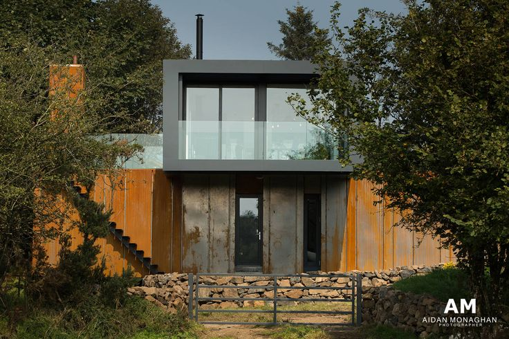 Underneath the exterior cladding is 4 shipping containers. Grand Designs Container Home