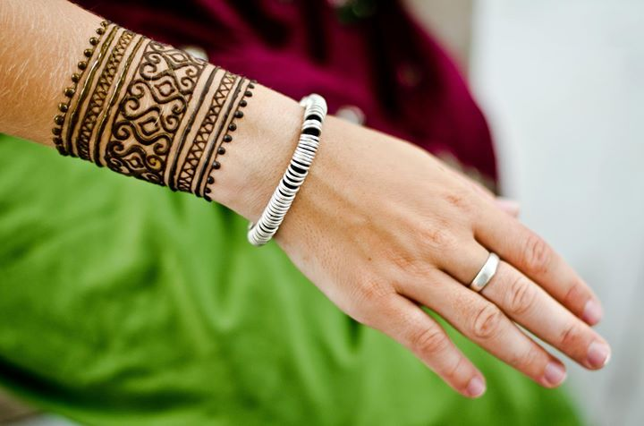 Cute Arabic Henna Designs for Wrist |