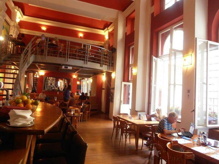 The Globe Bookstore and Café - americká restaurace Praha