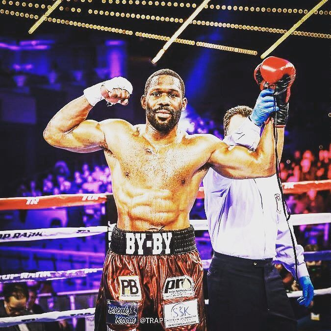 Bryant Jennings had another tuneup fight on the undercard of Lomachenko- Rigondeaux scoring a 3rd round stoppage victory. Why do you want to see Jennings fight in 2018? : @trappfotos . . . . #Boxing #Boxer #Fight #Fighters #Heavyweight #HeavyweightBoxing #BryantJennings #TopRank #Philadelphia #Philly #TruSchoolSports
