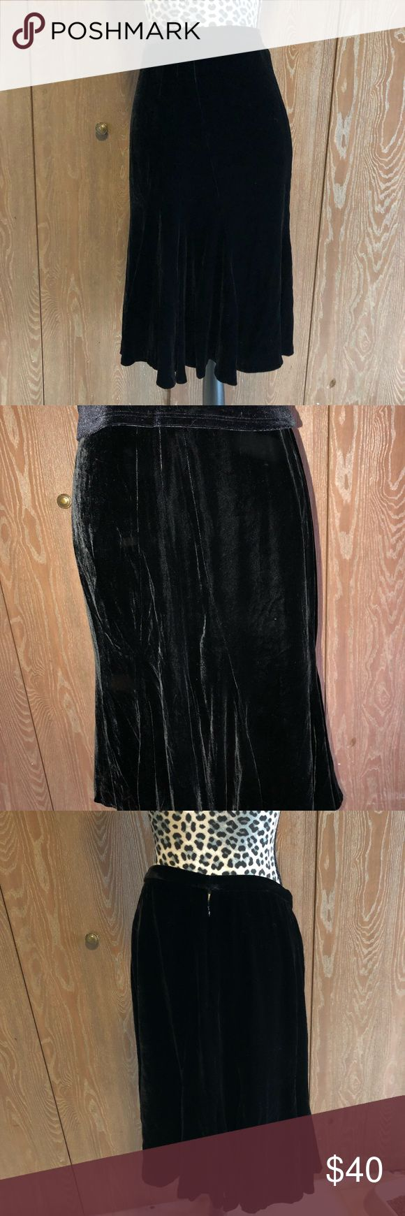 Black Velvet Jones New York Skirt Beautiful like new size 12 Jones New York black velvet skirt.  Waist measures 16 inches and it is 25 inches long.   💜All sales are going towards college tuition for the spring semester! I am majoring in Elementary Education and I love it! Thanks so much for helping me reach my goal of becoming a Kindergarten teacher!💙 Jones New York Skirts