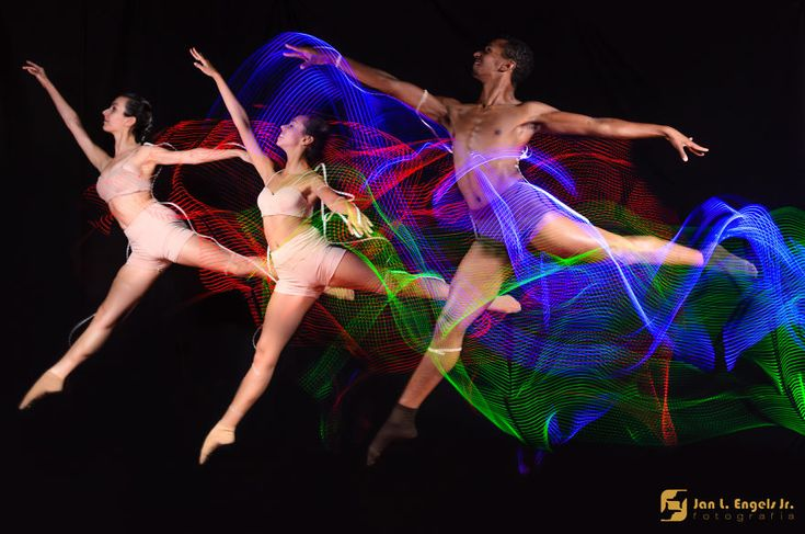 Ballet dancers with long exposure photography. www.glyhps.it #quadripersonalizzati #quadrionline #quadripersonalizzationline