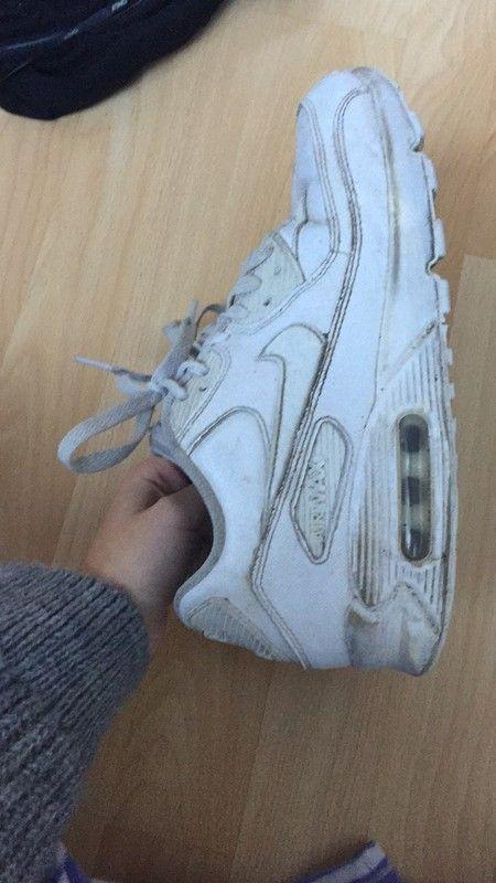 Verkaufe meine Air Max, habe sie gerne getragen. Vielleicht will sie ja nich jemand haben und freut sich darüber. Mängel s... http://feedproxy.google.com/fashionshoes1