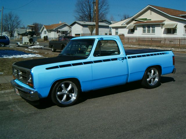 Dodge D 150 Off Roadin Pinterest Flats Hoods And