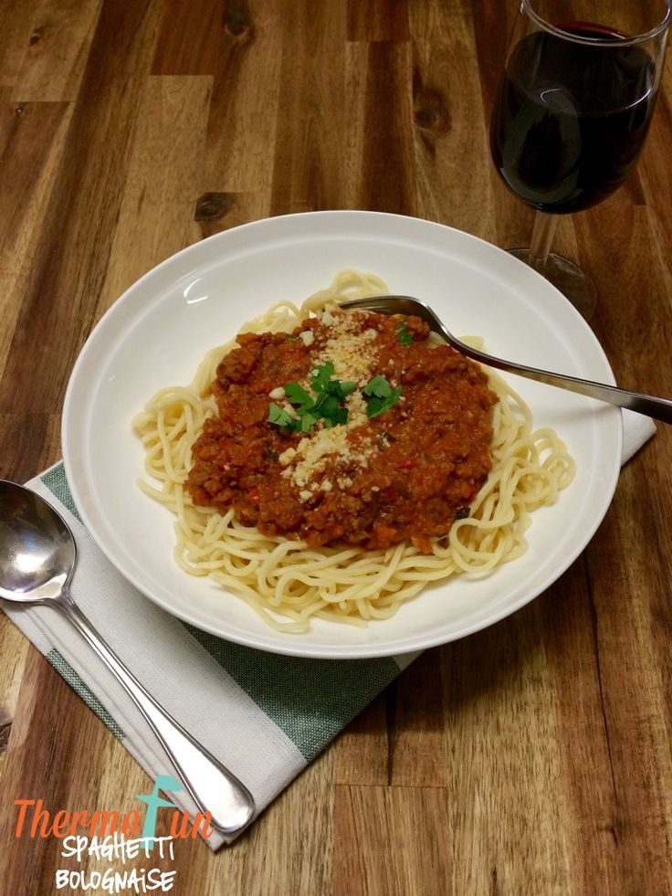 Here is another great reason to have my much loved ThermoFun Passata in your freezer.  I've always made my bolognaise this way but have never thought to write it down and publish it!  There was a bolognaise discussion in my ThermoFunkies Club Facebook group a couple of weeks ago, so I wrote down my recipe and sent it to a...