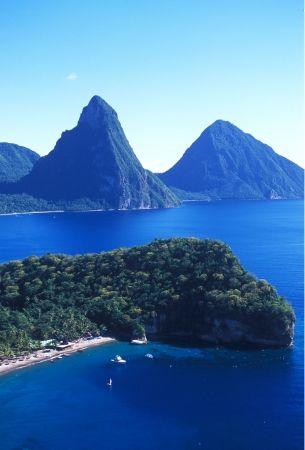 ღღ St Lucia, Caribbean  I am a St-Lucia lover! I have been there once and I would like to go back again. The views are so beautiful. Go, you wont regret it!