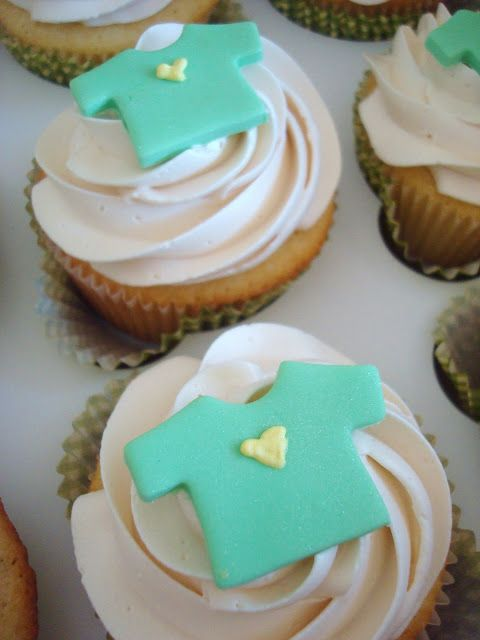 Neutral Baby Shower Cupcakes : 1000+ images about Baby Shower Ideas on Pinterest Baby ...