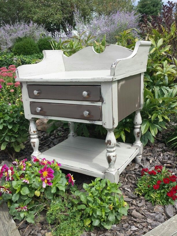 End Table Refinished Using Waverly Inspirations Chalk