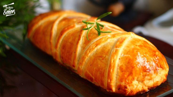 Nunca habría imaginado que hacer una receta tan navideña y típica como el solomillo Wellington sería tan fácil. La verdad que originalmente el solomillo Wellington se hace con carne de ternera, per…