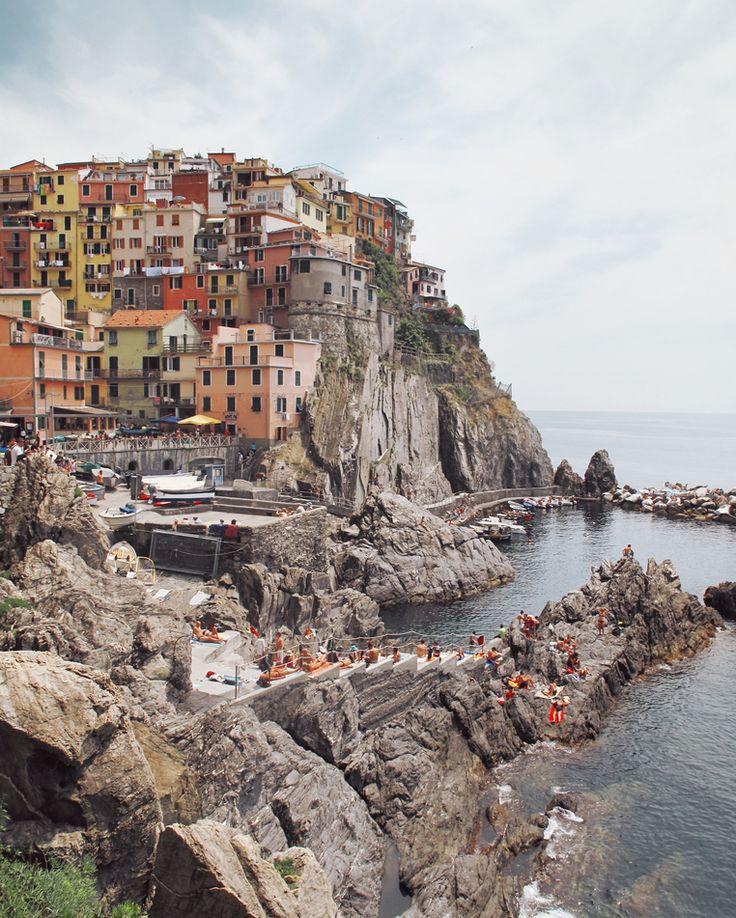 Is Manarola the sexiest village in Italy? :)  It sure is beautiful. . . . . . . . . #cinqueterre #manarola #liguria #italy #italie #italia #visualsofearth #discoverearth #earthofficial #travelgram #canonpic #vernazza #amalficoast #igersitaly #igersitalia #ig_italia #createcommune #instagramitalia #europe #moodygrams #ig_italy #italian_places #ourplanetdaily #italy365 #eclectic_shotz #fatalframes #roamtheplanet