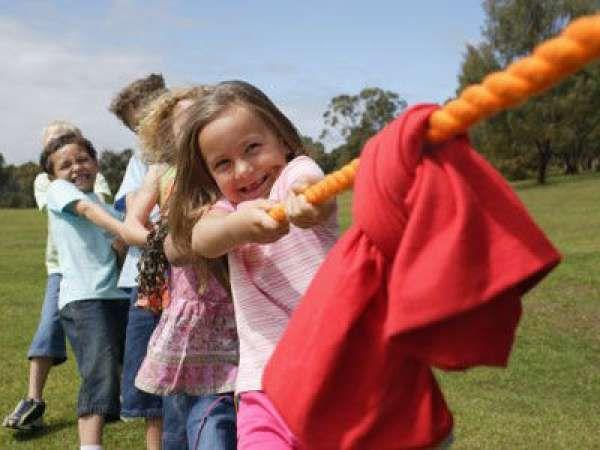 16 activités amusantes à faire en plein air.  Tir à la corde