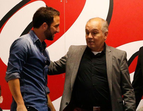 Gonzalo Higuain of Napoli and Alejandro Sabella head coach of Argentina before the Serie A match between SSC Napoli and Cagliari Calcio at S...