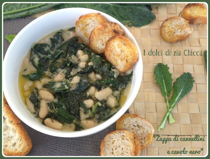 La Zuppa di cannellini e cavolo nero con crostini croccanti è un primo piatto velocissimo da fare e molto semplice ma vi assicuro che è davvero buono