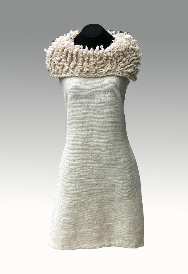 Vestido a telar en lana de oveja