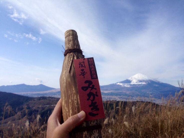 富士山には酒がよく似合う? 栃木県佐野市の蔵元による 開華 の原酒 「みがき」。