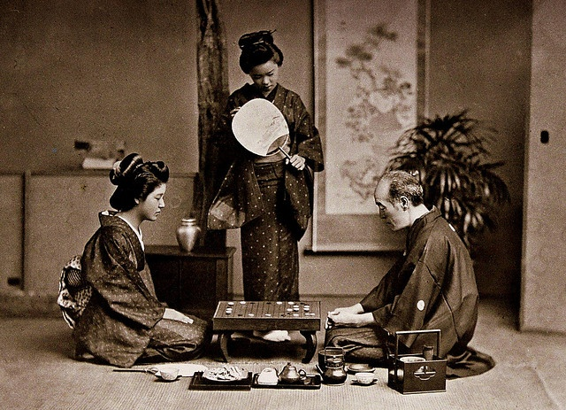 """MASTER TEACHES TWO GEISHA THE GAME OF """"GO"""" -- Relaxing with a Board Game in Old Japan"""