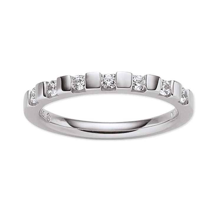 Mit seinen sieben strahlenden #Zirkonia Elementen wird dieser Ring zum idealen Trau(m)ring für Ihre Partnerin. #Verlobungsring