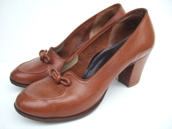 Vintage 1950s tan brown court shoes / pumps by StellaRoseVintage, £60.00