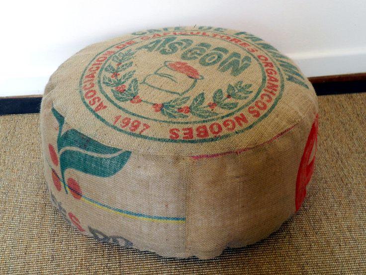 UPCYCLING.SITZKISSEN.POUF.KAFFEESACK. von Donnalupinas Textilwerkstatt auf DaWanda.com