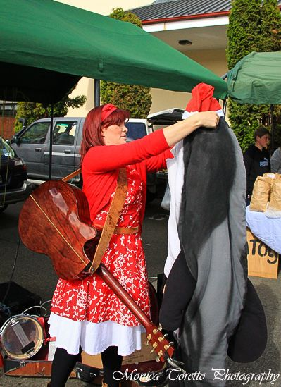 Christmas spirit ran high at the Southern Farmers Market just before Christmas 2013. Held Sunday's at Southland Boys High School from 9.30am.