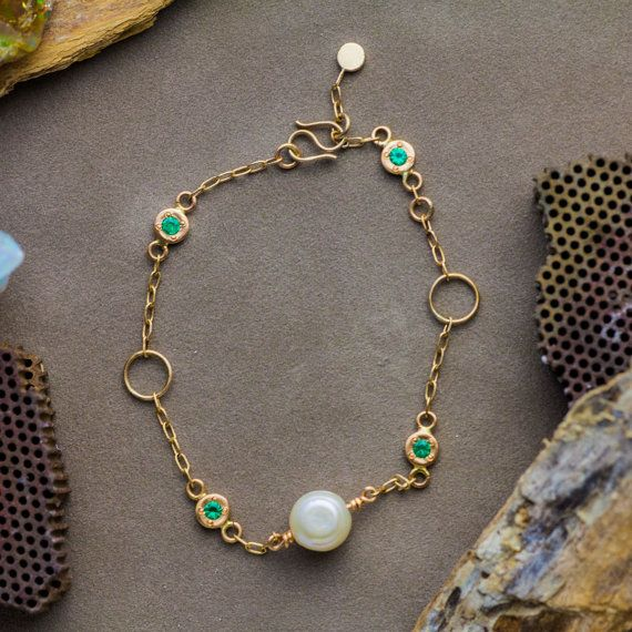 Name ❤Natural Pearl And Emerald Bracelet in 14K Yellow Gold, Pearl Bracelet, Green Emerald Bracele Handmade Jewelry  Description: ❤Delicate 14K