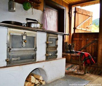 <p> Hier bekommt ihr einen EInblick in das Innere der Neuwirt Almhütte in Rauris. Der tolle Holzherd hat es mir angetahn. Kochen und dabei einen super Blick auf die Berge genießen. LG Maria del Carmen</p>
