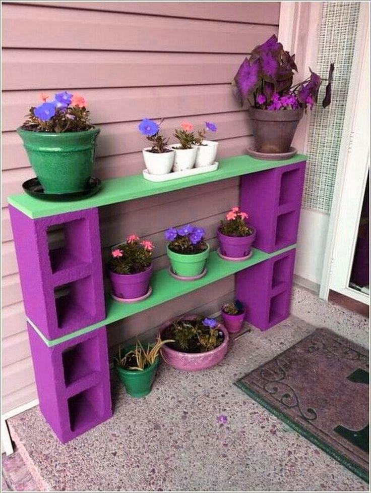 Repisas o mesas con Adobe o ladrillo. Reciclar adobes y madera.