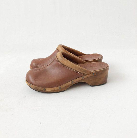 3398dc174c217 Vintage 70s Leather Wooden Clogs - Womens Boho Hippie Tan Brown ...