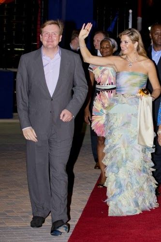 King Willem Alexander and Queen Maxima visit the Festival Village, Sint Maarten, Day 1 Netherlands Antillen introductory visit, 13 november 2013