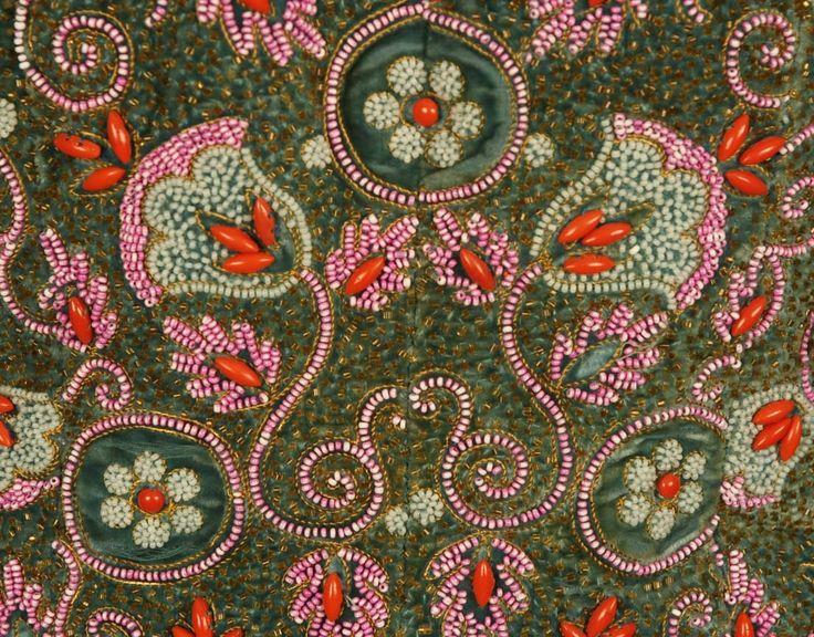 les 785 meilleures images du tableau couture schiaparelli sur pinterest schiaparelli annee. Black Bedroom Furniture Sets. Home Design Ideas