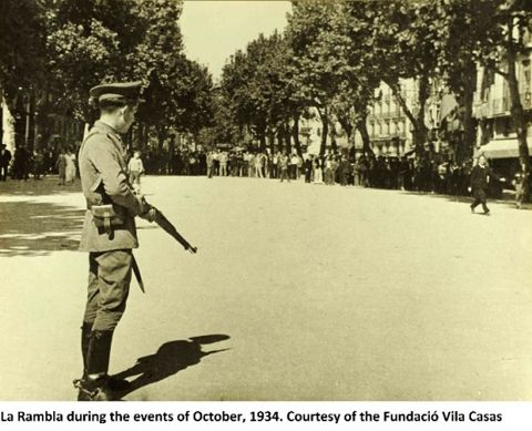 La Rambla during the events of October, 1934. /Pohotographer Agustí Centelles