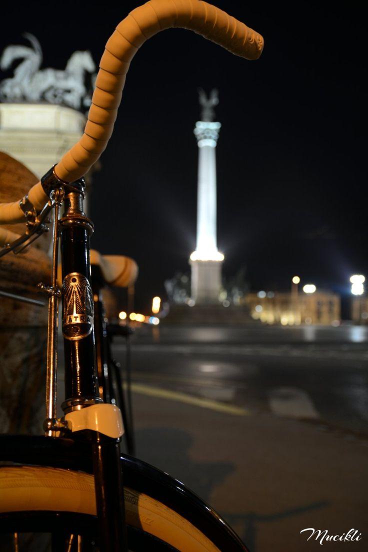 Csepel Mátra - Budapest, Hősök tere éjszaka
