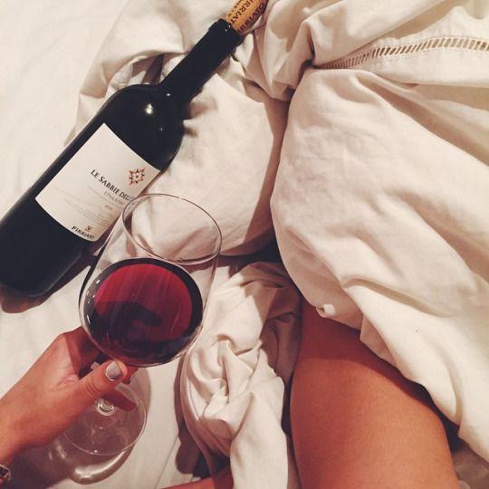 شراب لعل وجای امن ویار مهربان ساقی دلا کی به شود کارت اگراکنون نخواهد شد