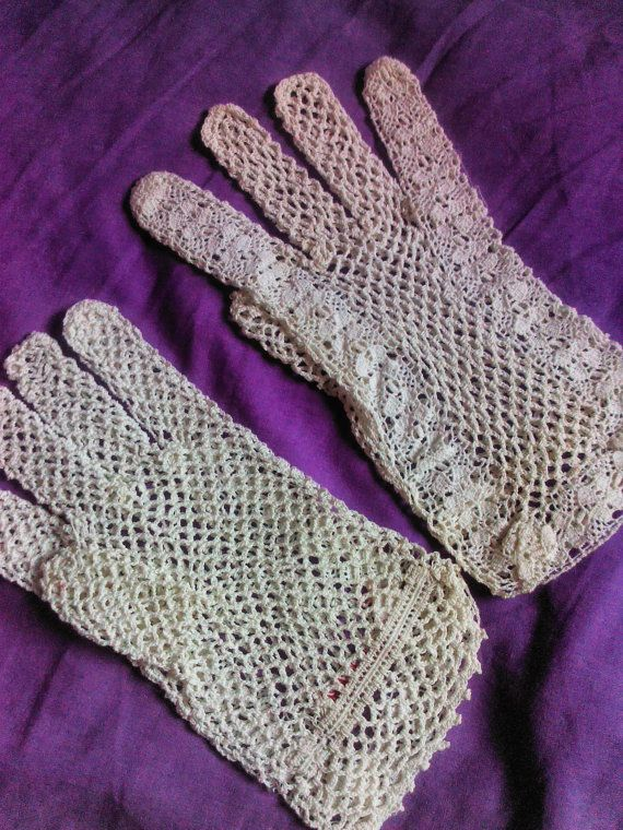 Vintage 1920's Ladies Crochet Tea Gloves