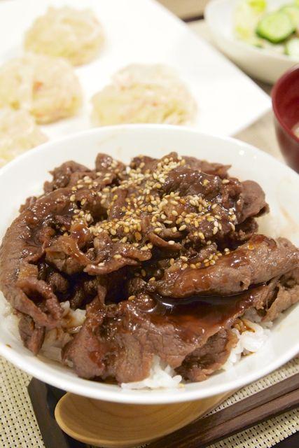 【和食】「ふわもち☆豆腐しゅうまい」&カルビ風焼き牛丼&レモンドレッシングサラダで休日の簡単晩ごはん。