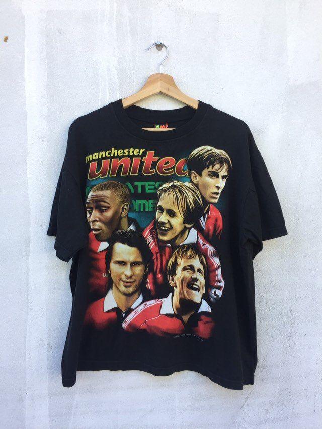 Vintage Manchester United 1999 Shirt Vintage Manchester United Player 1999 World Class Player Vintage Beckham T Shirt Vintage Dwight Yor In 2020 1999 Shirts Manchester United Players Graphic Sweatshirt