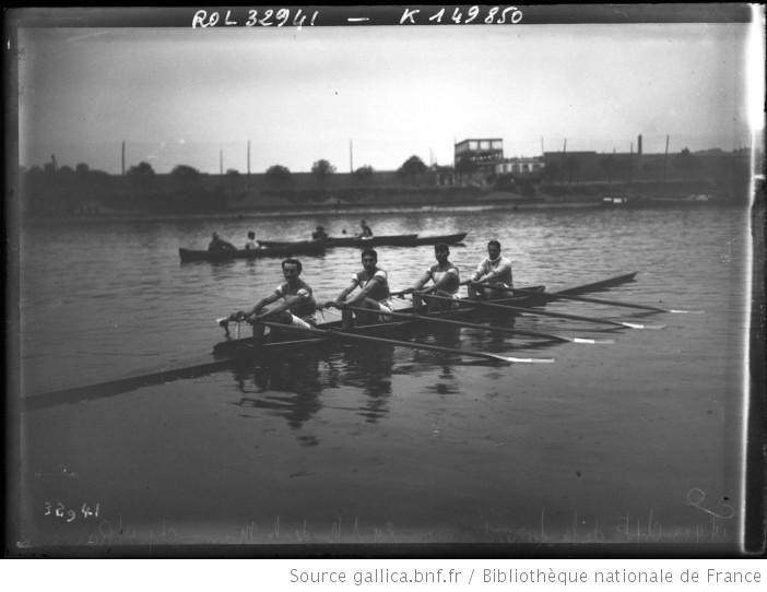 14-9-13, championnat de la Seine d'aviron, équipe de la S. N. de la Marne, championne des 4 rameurs : [photographie de presse] / [Agence Rol...
