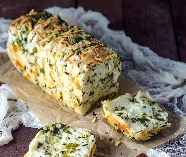 Verdens beste brød med urter og hvitløk