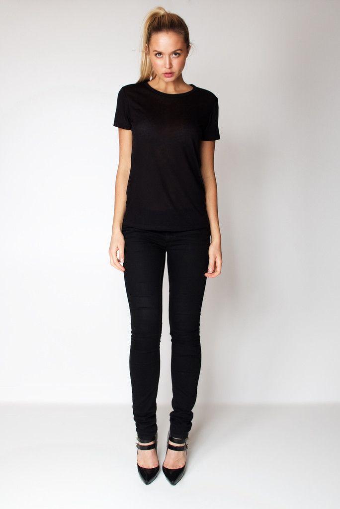 T-Shirt U Neck / Black
