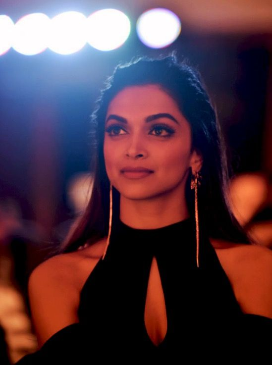 Deepika Padukone at HT Most Stylish Awards 2017