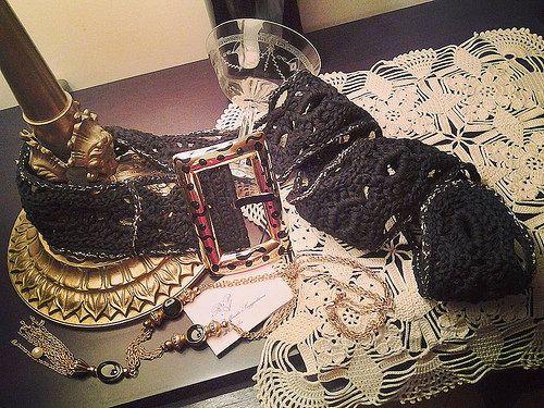 Cintura interamente realizzata uncinetto in cotone nero con rif.lamè oro, fibia dipinta a mano. Cod.529 #accessories #accessory #creatrice #cluth #dress #eleganza #elegantly #fashionstyle #fashionblogger #fashiondesigner #glamour #handmade #handcraft #italiandress #outfit