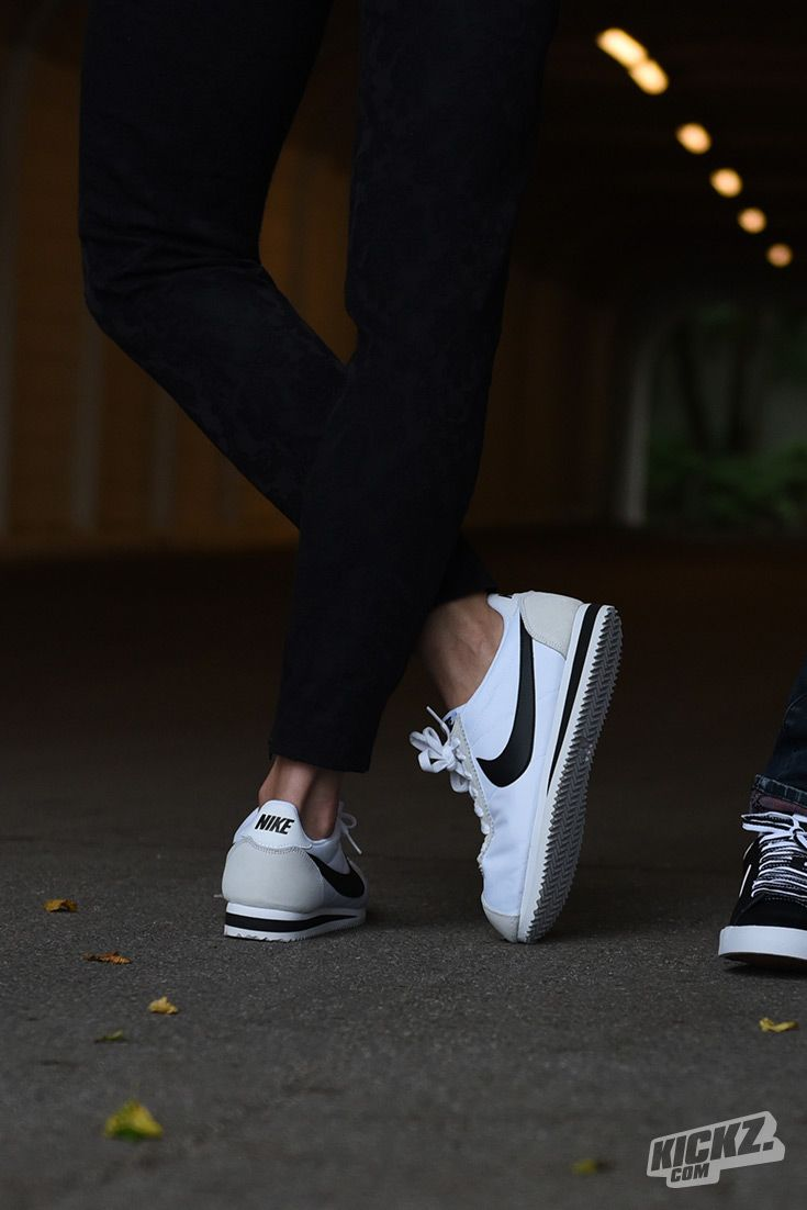 The Nike Cortez, a pioneer on the track since 1972. Available in classic colorways - black and white. For girls only!