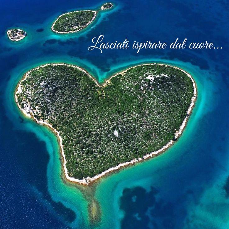 #SanValentino2017 lasciati ispirare dal cuore... Auguri agli innamorati, alle Valentine ed ai Valentino dall'isola di Galesno - Galešnjak - in Croazia