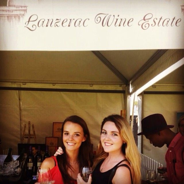 Stellenbosch wine festival with se-bear  #lanzerac #bestwines #stellieswinefest @lanzeracwines