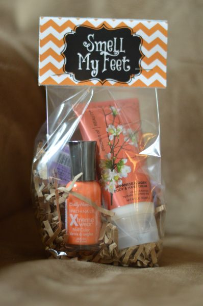 Top Rated!  Free Printable Smell My Feet tag for Halloween Treat and Gift.  Great for a cute, inexpensive pedicure kit gift bag.  Tons of possibilities!