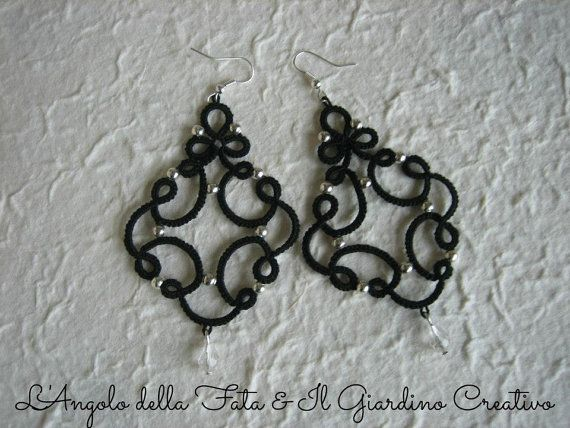 Earrings Marie tatted by black cotton, little metal beads and crystal pendant.