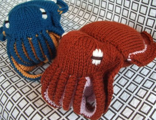 You can knit a cuttlefish! Why aren't you knitting a cuttlefish right now? You are losing valuable cuttlefish knitting time by reading this.